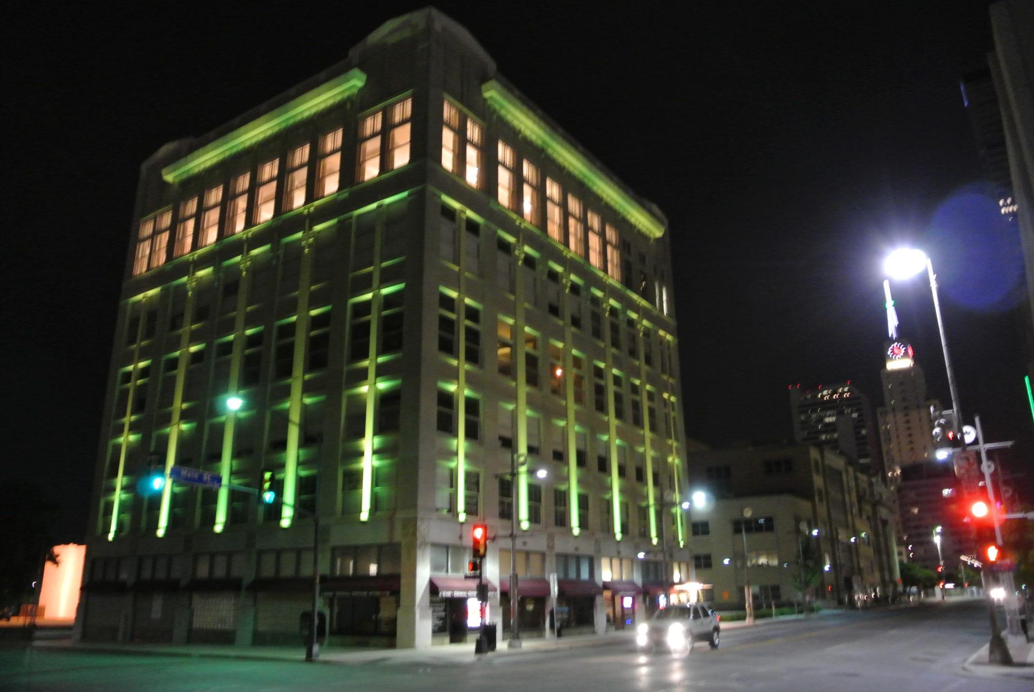 dallas architecture at night
