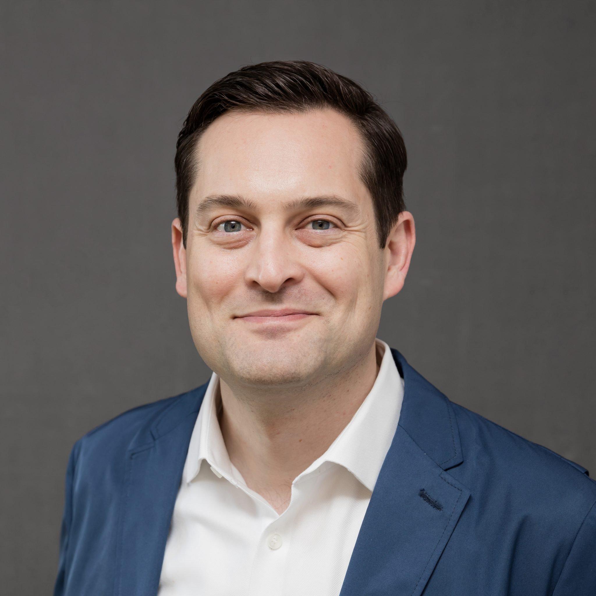 Joel Efrussy, AIA Headshot